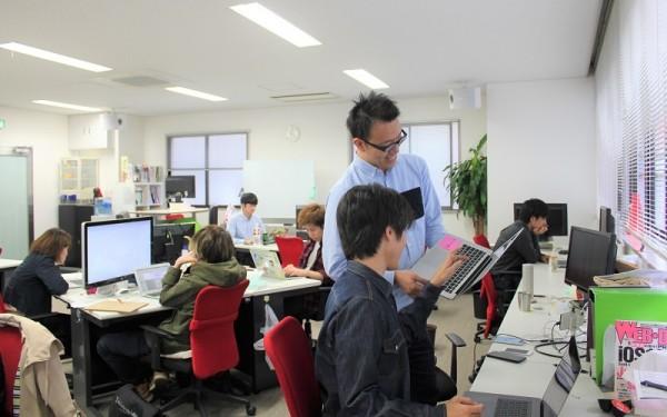 福岡本社は利便性のよい天神一丁目の開放的なオフィス