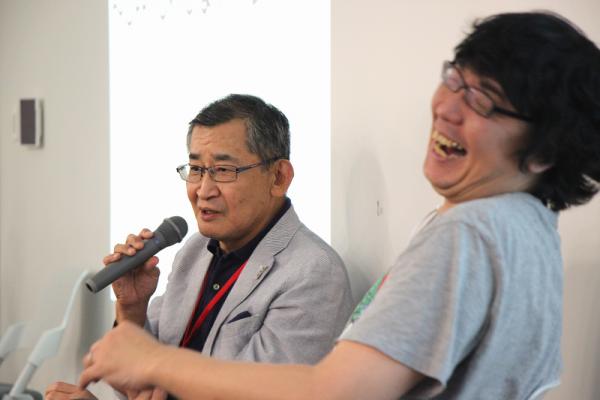 武市智行さん(左)と直良有祐さん(右)